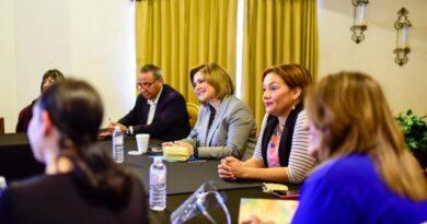 Mujeres juarenses expresan su apoyo a Maru Campos